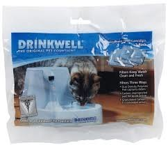 Эти угольные фильтры подходят для поилок Drinkwell Original 1,5 L (FCB-EU-45), Platinum 5 L (D2-EU-45), Big Dog 8,5 L (DOGC-REEU-20) и Mini 1,2 L (MINI-EU-45).